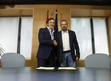 El PP y Ciudadanos firmaron pacto anticorrupción en España