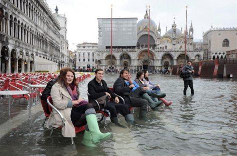 Los venecianos se rebelan contra el turismo maleducado