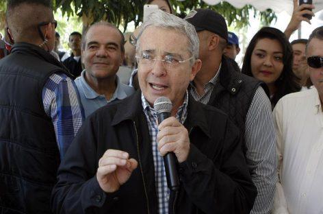 Uribe manifiesta a Clinton y a Trump su preocupación por el acuerdo de paz con las FARC