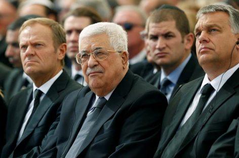Netanyahu y Abás se estrechan manos en funeral de Peres