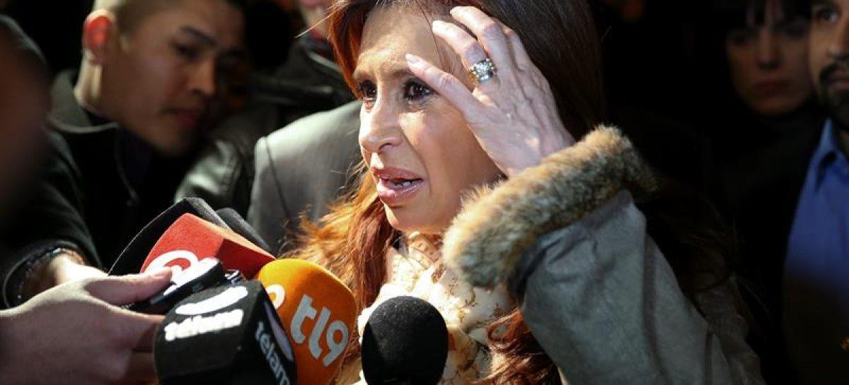 Cristina Kirchner debe declarar por presuntas irregularidades en la concesión de unas obras