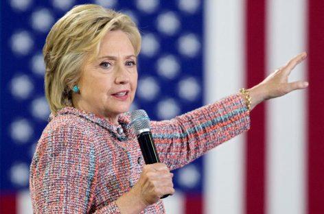 Clinton vuelve a la campaña porque «no hay un minuto que perder»