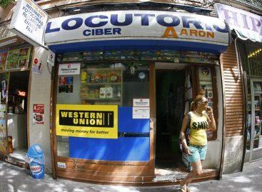 Casi medio millón de latinos en España no pueden enviar dinero asusfamilias