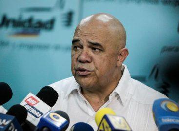 Oposición venezolana insiste en revocar a Maduro en 2016 y dice quepresionará para lograrlo