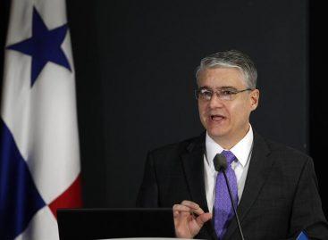 Ministro de Economía aseguró que Panamá trabaja «muy fuerte» para limpiar su imagen