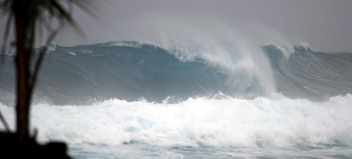 Huracán Nicole sube a categoría 2 mientras se acerca a las Bermudas