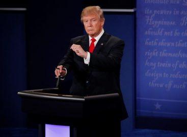 Trump apuró sus opciones para recortar ventaja de Clinton