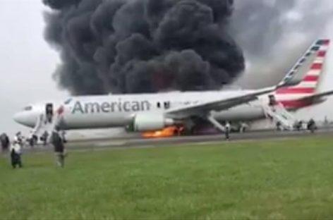 Avión se incendió en aeropuerto de Chicago por un neumático reventado