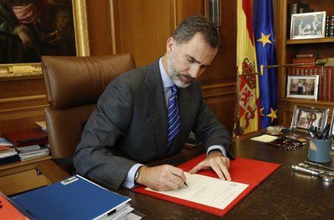 Rey de España firmó nombramiento de Rajoy como presidente