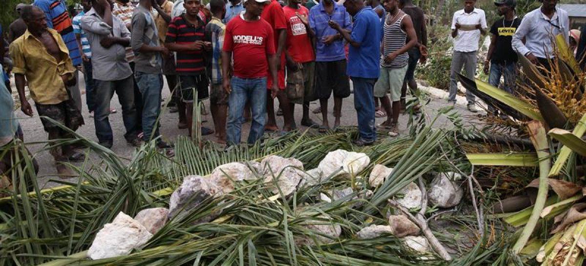 Más de 400 muertos en Haití por elpaso del huracán Matthew