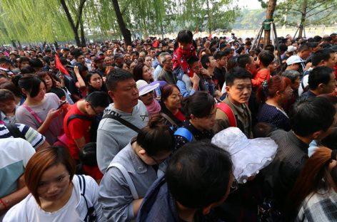 China celebra su Día Nacional con millones de desplazamientos