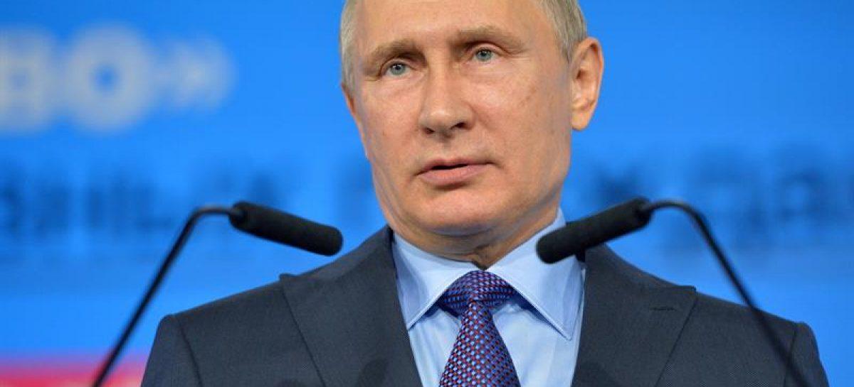 Putin felicitó a Trump y abogó por una mejora en relaciones bilaterales