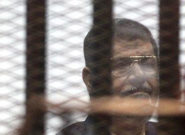 Anulan condena a muerte del expresidente egipcio Mursi