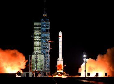 Misión tripulada china se separó del laboratorio espacial e inició retorno