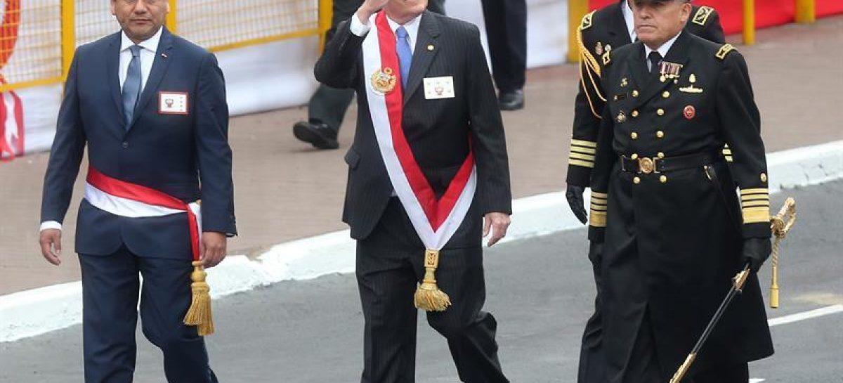 Ministro de Defensa del Perú dimitió por polémica relacionada con su pareja