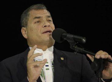 Presidente de Ecuador pidió la renuncia a todos sus ministros