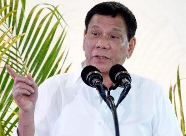 Duterte, que insultó a Obama, felicitó a Trump por su victoria