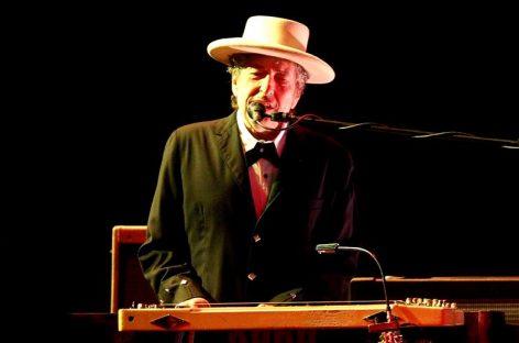 Acusaron a Bob Dylan de plagiar discurso de aceptación del Nobel