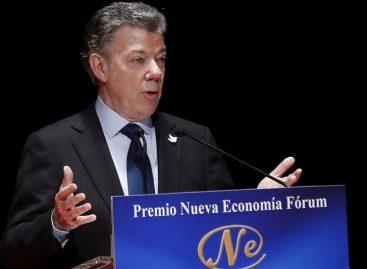 Santos dijo que aún «se está a la expectativa» sobre EEUU de Trump