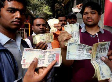 Bancos vacíos y calma en último día para ingresar billetes retirados en India
