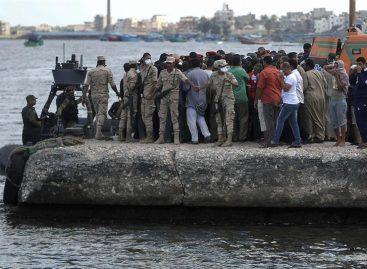40 personas desaparecieron al naufragar embarcación con haitianos