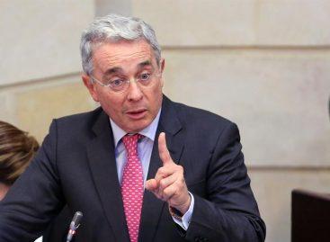 Uribe criticó la visita de Hollande a zona de concentración de las FARC