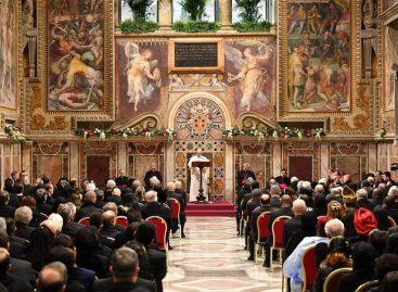 El Papa condenó el extremismo religioso y defiende acogida de refugiados