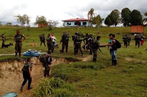 Las FARC iniciaron su marcha a las zonas de concentración con críticas al Gobierno