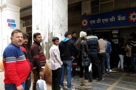India abrió el grifo del efectivo luego de tres meses de sequía