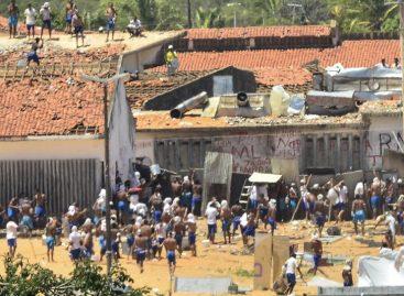 Presos se enfrentan en cárcel brasileña donde murieron 26 reos el fin de semana