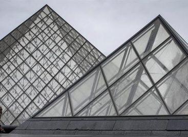 El Louvre reabrió tras el ataque terrorista contra militares