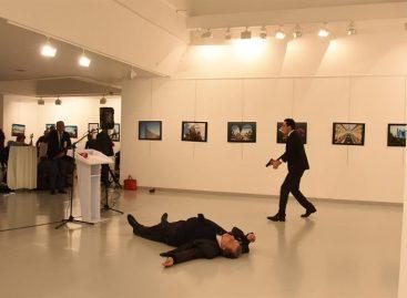 Imagen del asesino de embajador ruso en Turquía ganó el World Press Photo