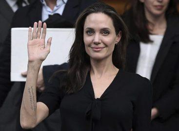 Angelina Jolie sobre su separación: «Siempre seremos una familia»