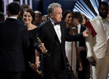 La Academia de Hollywood pidió perdón por el error del Óscar a mejor película