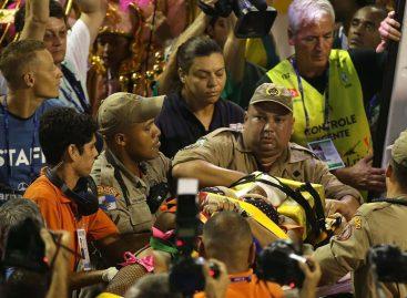 15 heridos en el Sambódromo de Río tras desplomarse una pasarela