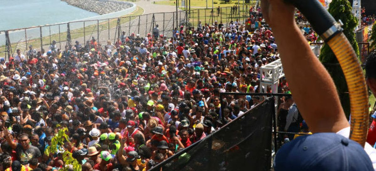 Polémica por intención de la Policía Nacional de restringir la vestimenta de las mujeres durante los carnavales