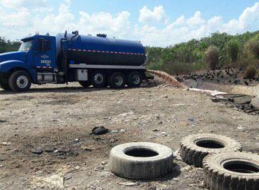Empresa vierte aguas servidas de baños portátiles al río Mocambo y Cárdenas (Video)