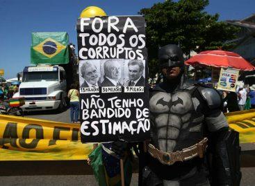 Los brasileños regresaron a las calles para pedir renovación política