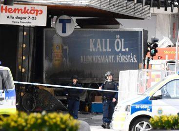 Un camión embistió a varias personas en Suecia