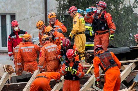Tres muertos y al menos cuatro desaparecidos tras caer un edificio en Polonia