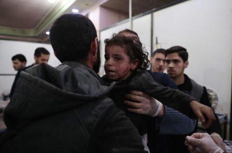 """Londres urgió a Moscú a poner fin a su apoyo al """"venenoso"""" Assad"""