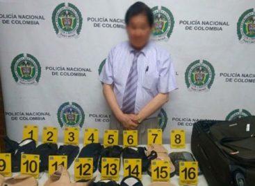 Asiático fue detenido en Colombia con cocaína oculta en chanclas ortopédicas