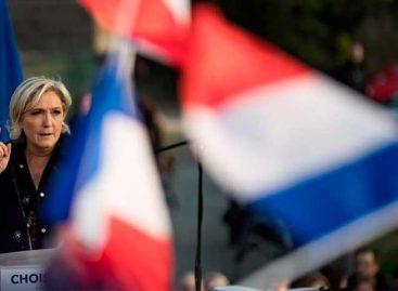 Le Pen abucheada en Reims en el último día de la campaña