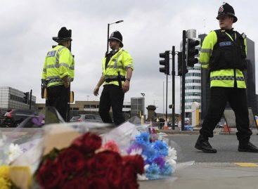 Manchester regresó a su rutina entre fuertes medidas de seguridad