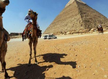 Egipto formará a trabajadores del turismo en las pirámides de Giza