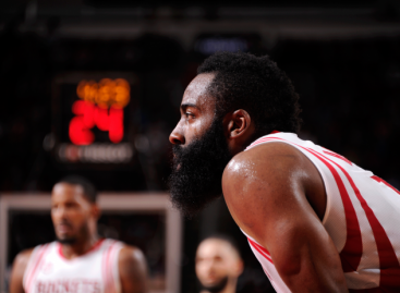 Houston Rockets a un triunfo de la Final de la NBA