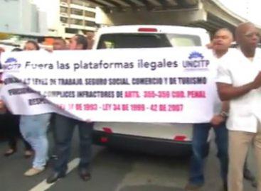Taxistas protestarán el 8 de agosto si no hay decisión sobre Uber