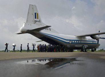 Encuentran en el mar restos del avión militar desaparecido en Birmania