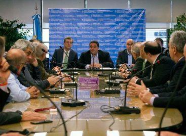 Salario mínimo en Argentina aumentó 24% y será de 602 dólares