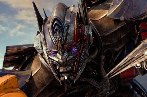 «Transformers: The Last Knight» sin mayores problemas en el primer lugar de la taquilla